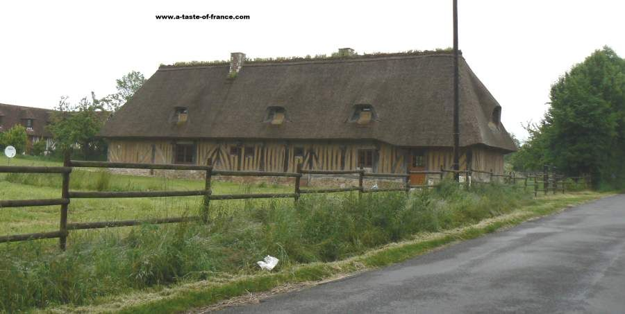 Old timber framed house on the edge of the village of Saint Philbert des Champs  #France #travel  http:// buff.ly/2tdxL42  &nbsp;  <br>http://pic.twitter.com/cqlH0F0OIT
