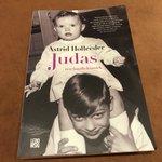 Bizar, meeslepend en vaak ronduit huiveringwekkend. Judas, van Astrid Holleeder, is een heuse pageturner!