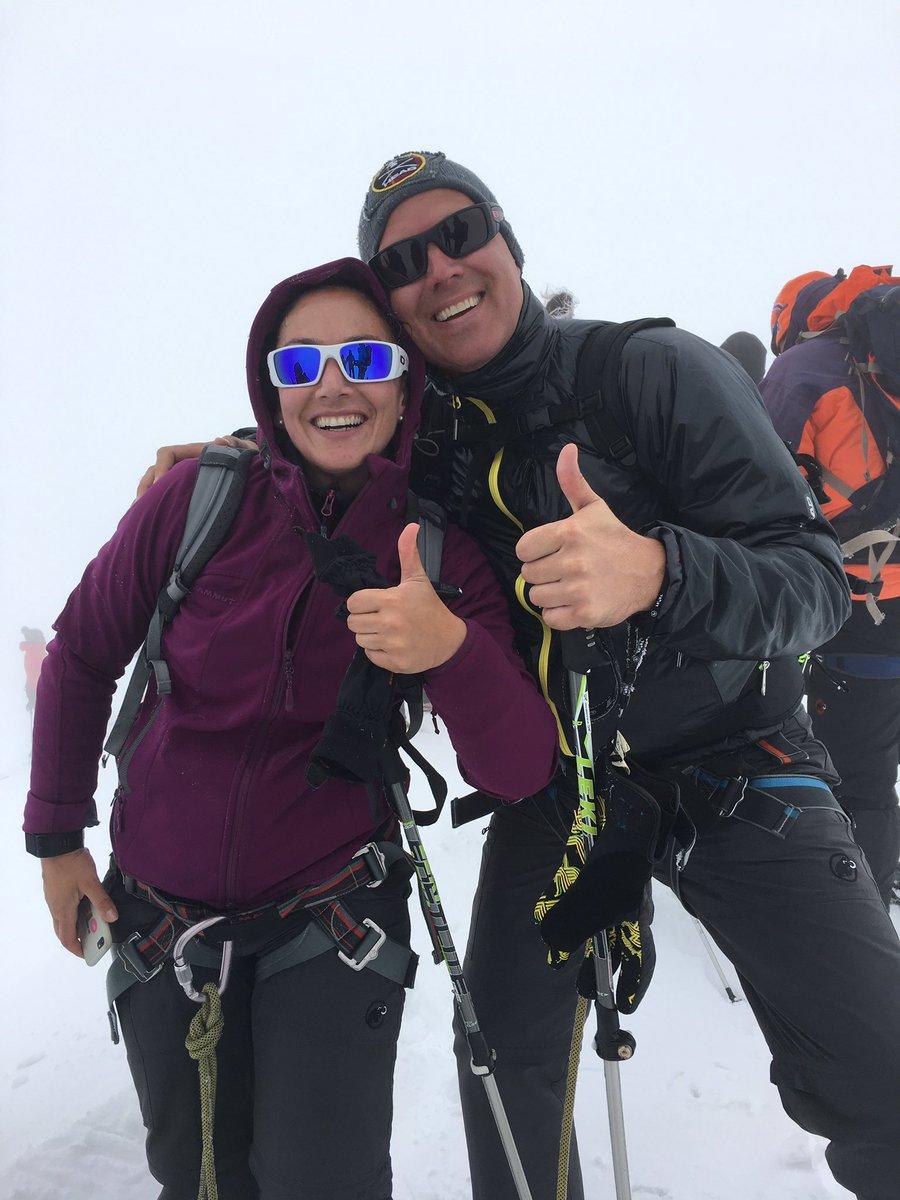 Good night from two happy mountaineers #zermatt #wallis #valais #happy #müde #muskelkater<br>http://pic.twitter.com/lZ1KZw4kDV
