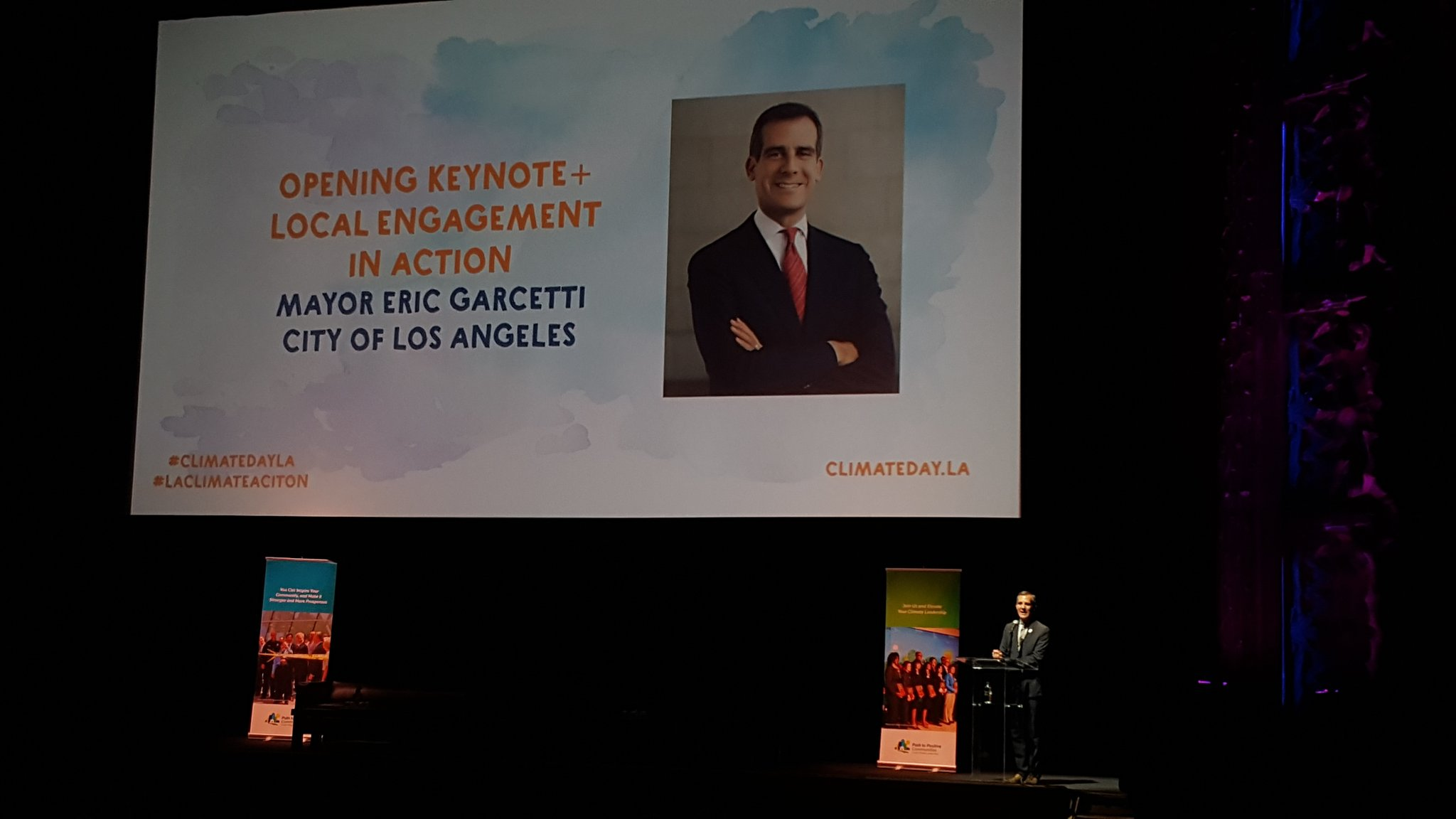 Proud of the leadership of @ericgarcetti  #climatemayors #climatedayLA & our committmemt to uphold goals of Paris Agreement @AIALosAngeles https://t.co/5pwn17ALQu
