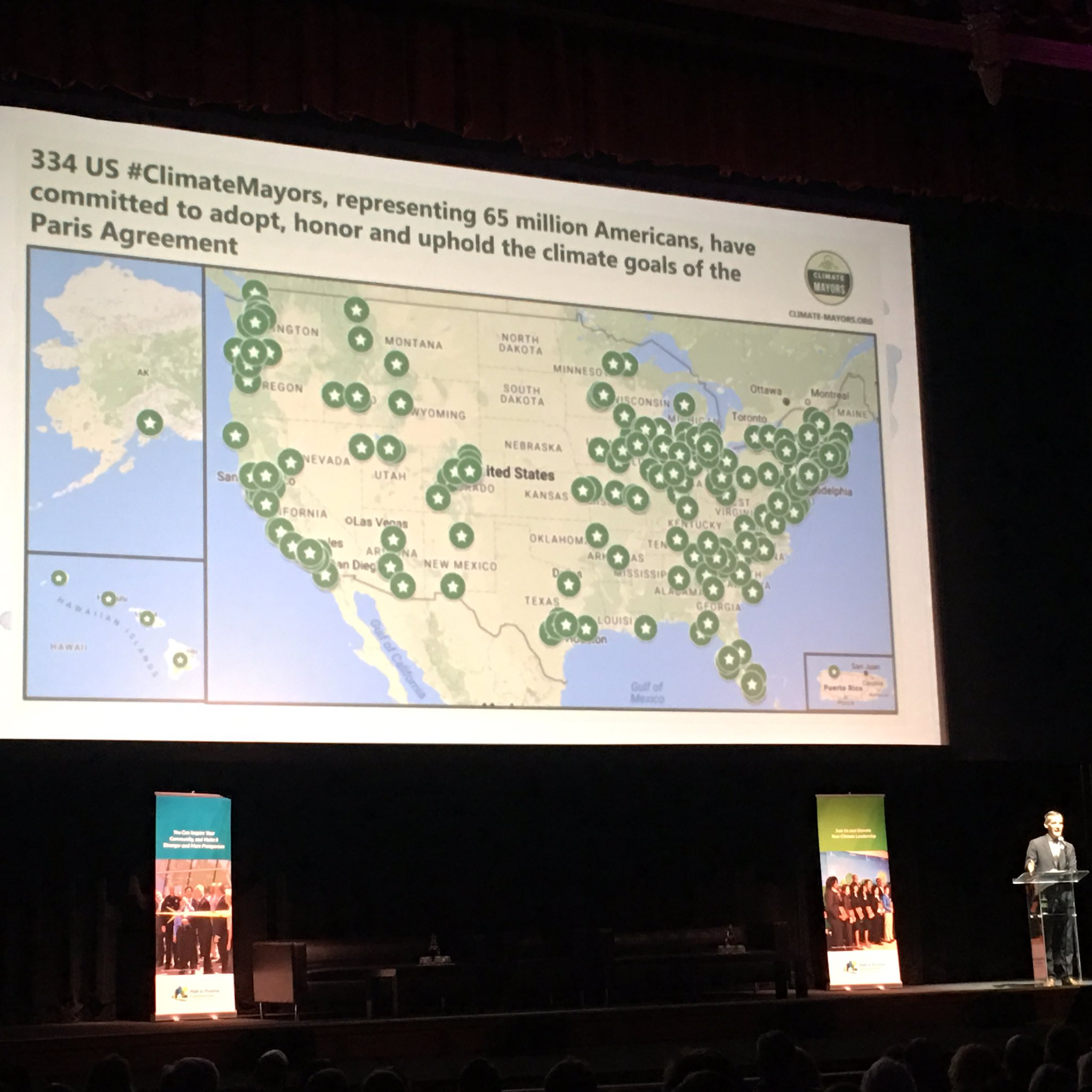 .@MayorOfLA highlights that 334 US #ClimateMayors have committed to adopt + uphold goals of the #ParisAgreement. Has yours? #ClimateDayLA https://t.co/jMXuF60Hxx
