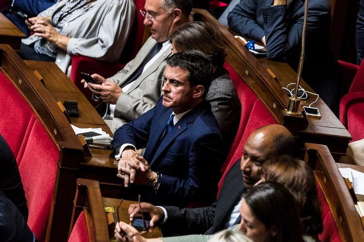 Sans papiers socialistes, Valls régularisé par Macron https://t.co/NFrIF27MKm