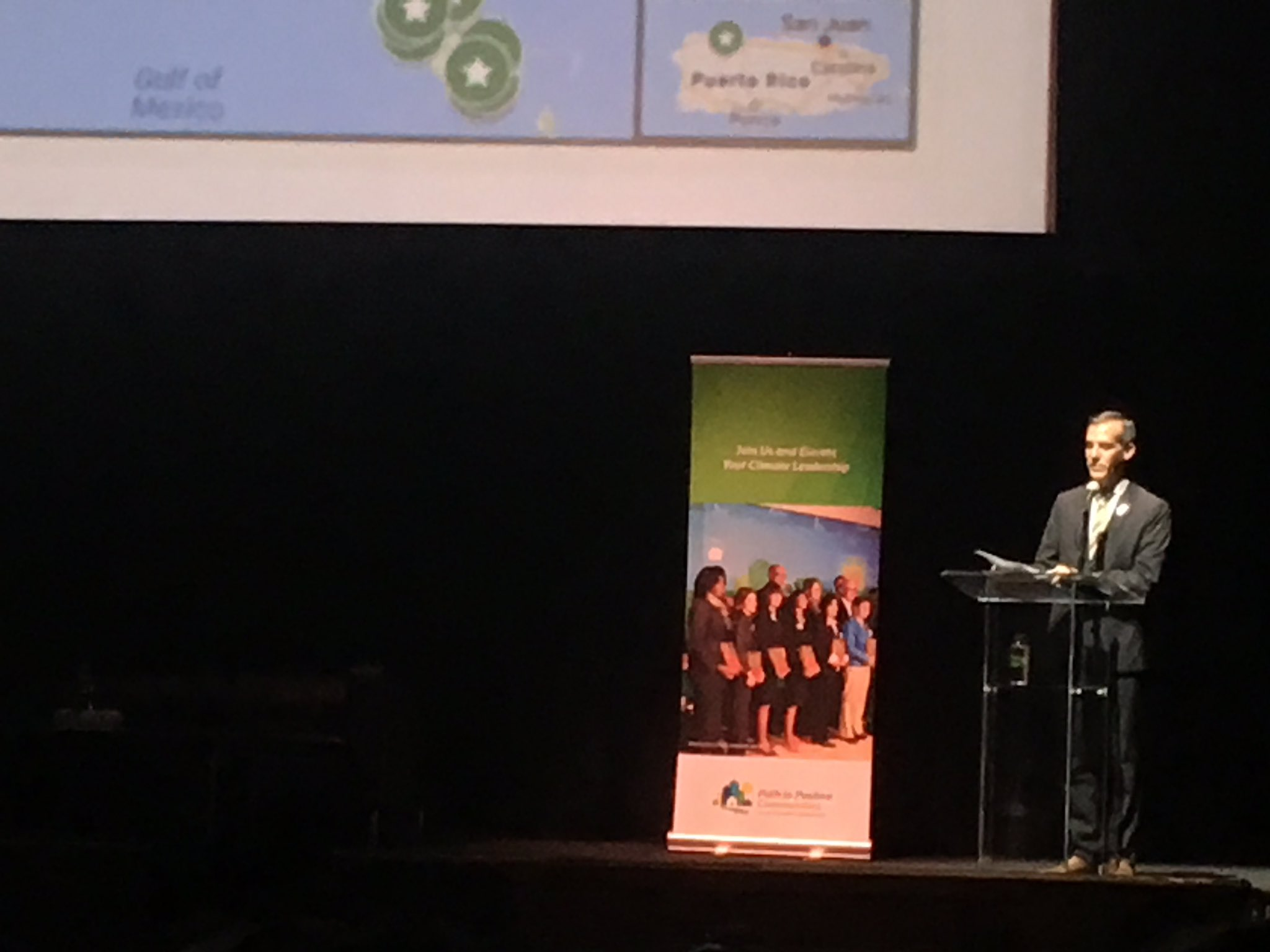 Props & support for @ericgarcetti & his climate action 2 get LA 2 100% renewables by 2035 & all EV Metro bus fleet by 2030!#CLIMATEDAYLA https://t.co/zb2eFFyL8J