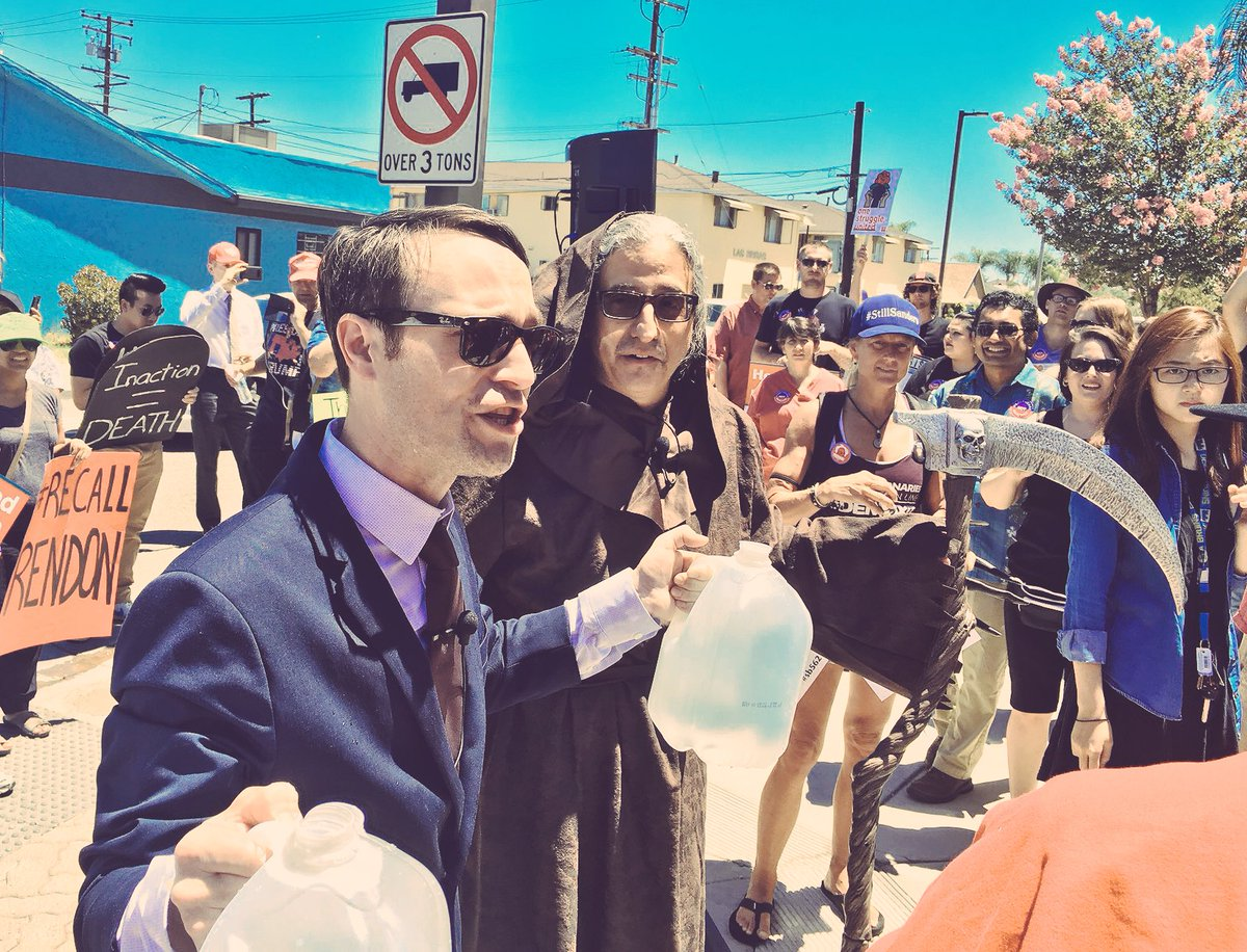 &quot;@Rendon63rd&quot; carries water for health insurance companies by opposing #SinglePayer. Insurance rep Grim Reaper joins him!  #TuesdayThoughts <br>http://pic.twitter.com/M5uWCSYNpL