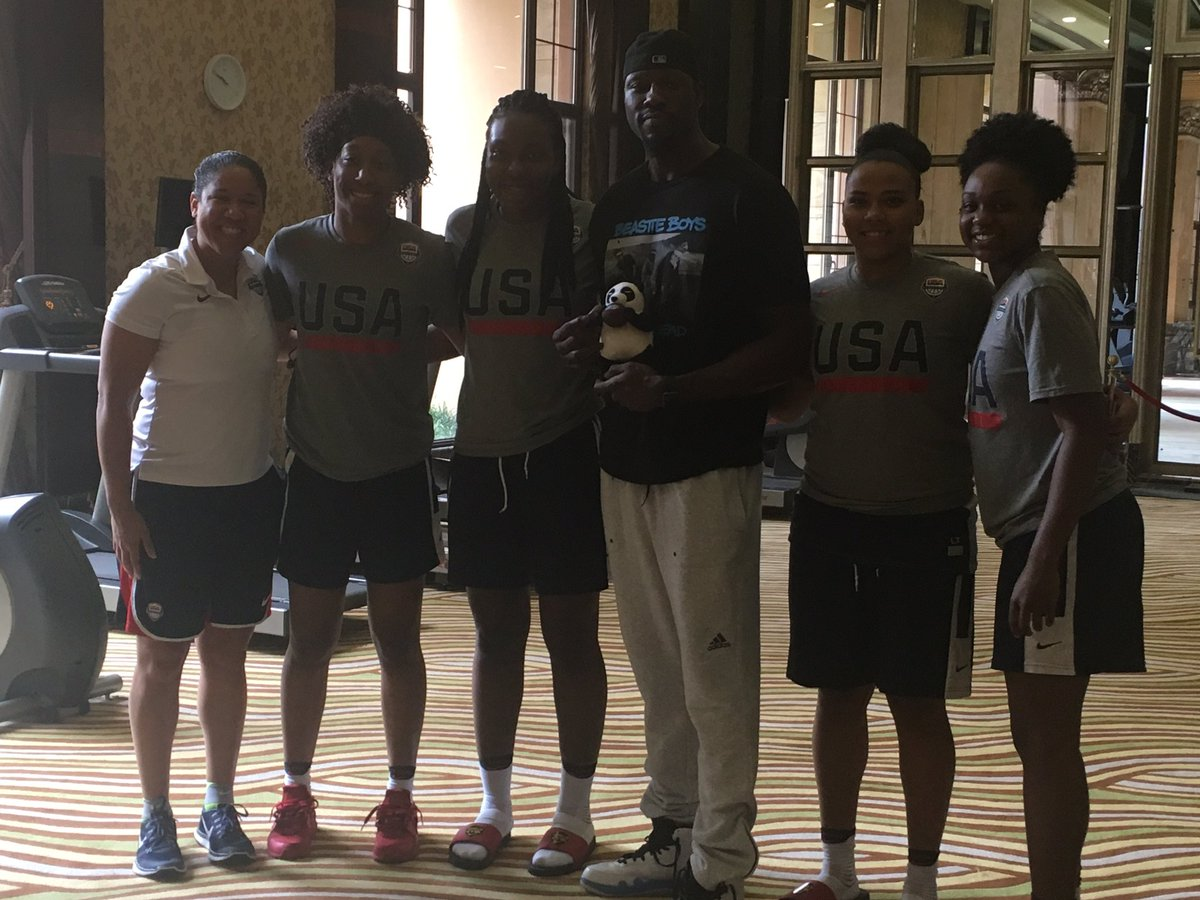 Thanks to Ben Wallace for surprising our team before practice today🇺🇸@usabasketball