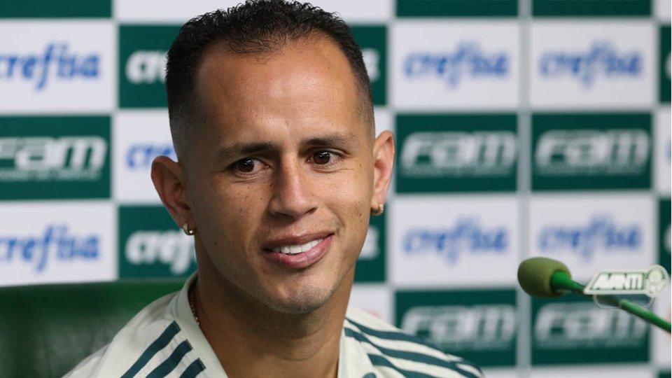 Guerra elogia Cuca e diz que ficava 'preso' com Eduardo Baptista no @Palmeiras https://t.co/xYQbDvK4Pr