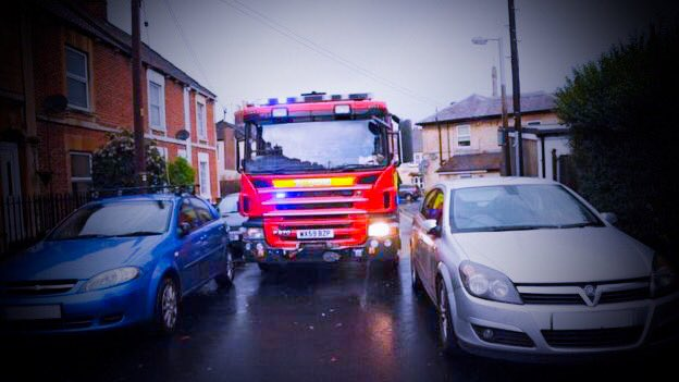 #Fire #Safety Check your parking?Have you left enough room for a fire engine to pass in a emergency. If not! Move it! #Firefighters<br>http://pic.twitter.com/6eF3JDv1Jf