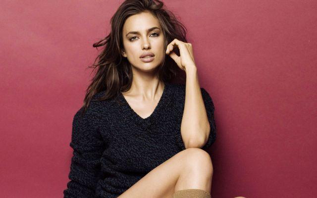 Irina Shayk favolosa: ritorno in passerella e fisico perfetto per l'ex di Cristiano Ronaldo | Moda Fashion