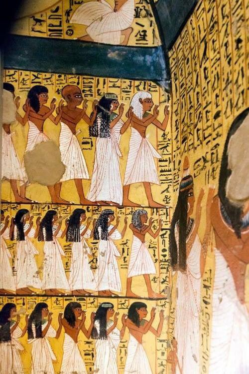 """"""" Mural Paintings in Tomb of Peshedu, Deir el-Medina, #Egypt. Peshedu was a 'Servant In the Place of Truth', during the Ramesside Period. <br>http://pic.twitter.com/nWdeOZzlIA"""