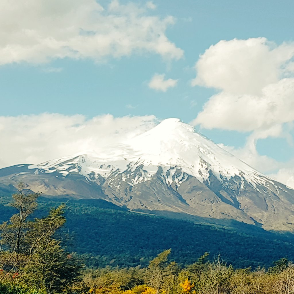 Do you know #South of #Chile? We have #Volcanoes #Lakes #Navigate #Gastronomy and much more! Come on with us and live #Adventure #Travel<br>http://pic.twitter.com/CfFUaVSzCB