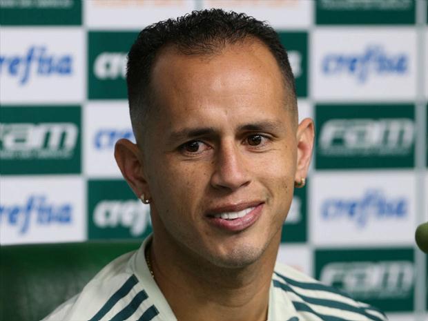 Guerra faz crítica a Eduardo Baptista e elogia Cuca por crescimento no Palmeiras: https://t.co/ltA5FKRs1p #ExpedienteFutebol