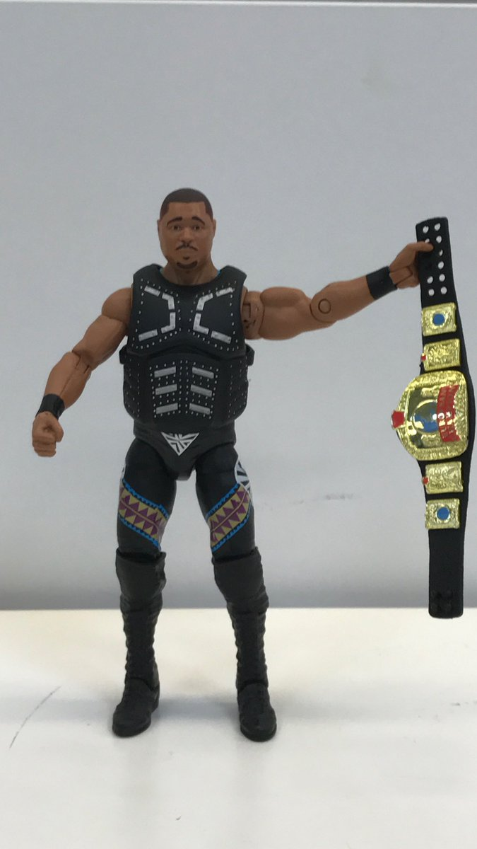 As promised here is the new action figure. #Mattel #WWE Elite 52! #YourLookingAtTheRealDealNow https://t.co/9D6OK5W4aj