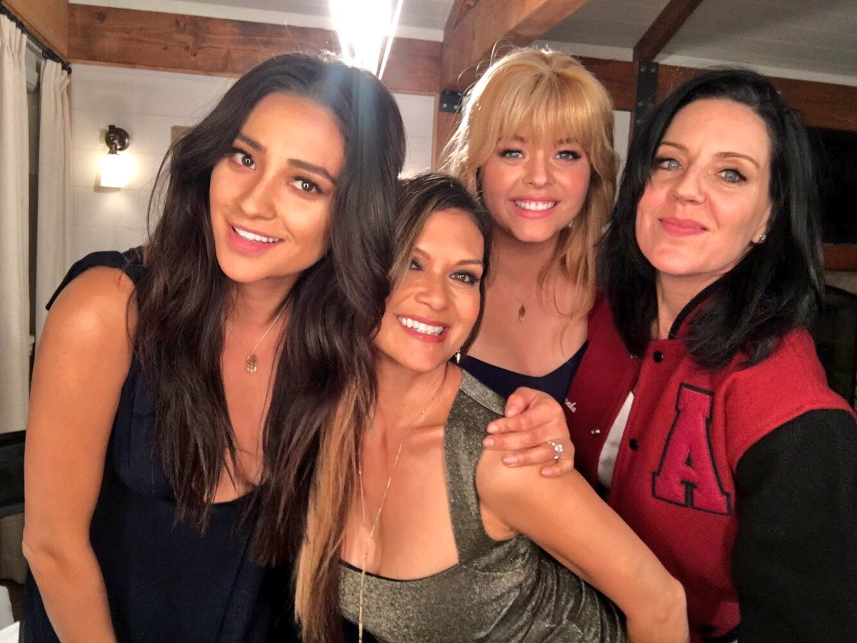 Our girls are getting married!! #PLLGameOver #pll @shaymitch @SashaaPieterse @TheAndreaParker https://t.co/ES7juEuEhV