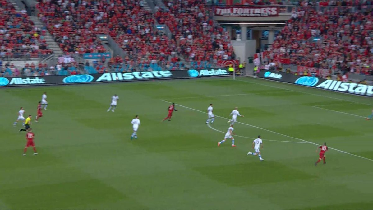 Sebastian Giovinco draws the match and the Final TFC 1:1 (2:2 agg) IMF...
