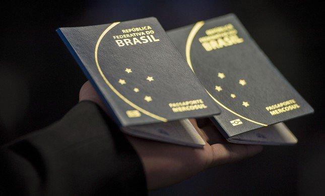 PF suspende emissão de passaporte por tempo indeterminado. https://t.co/Ei9zVfkGui