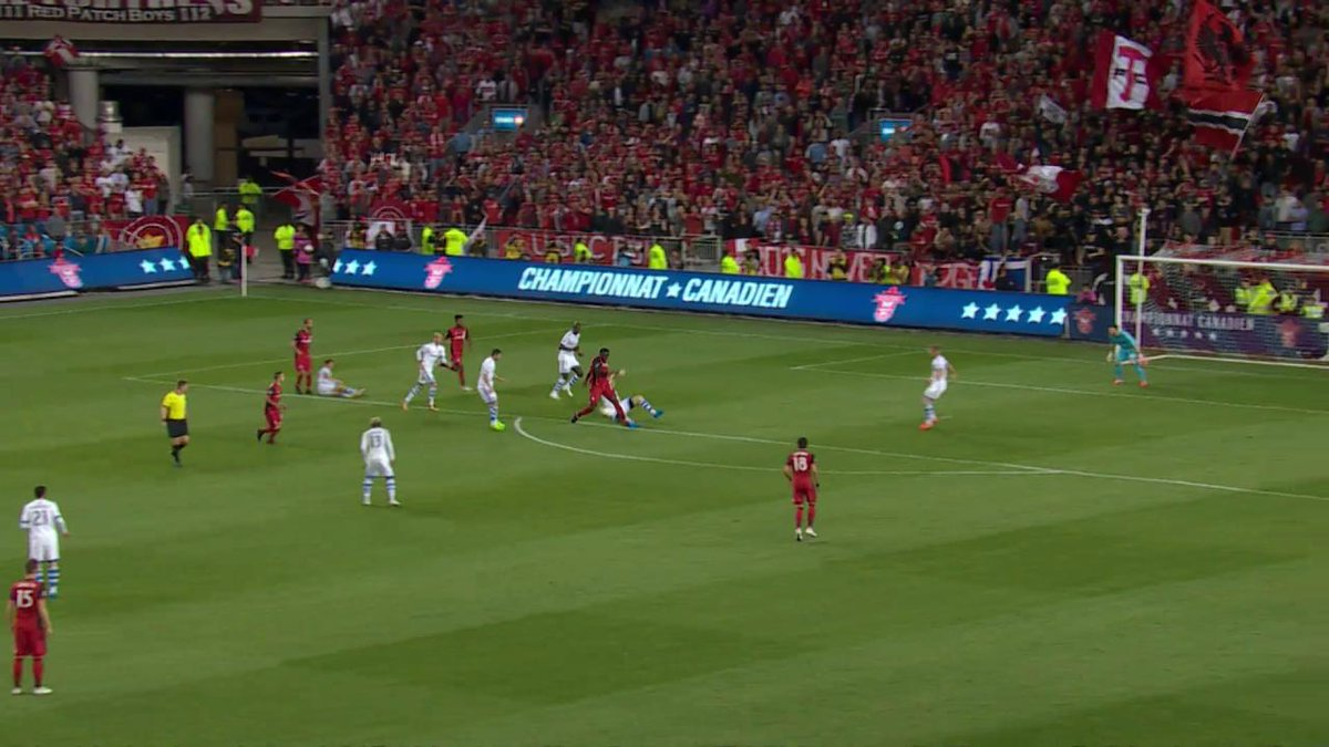 Scenes as Giovinco scores his second of the game for Toronto FC 2:1 (3...