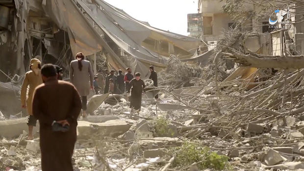 Wednesday #Syria Daily: &quot;Staggering&quot; Rise in Civilian Deaths from Coalition Airstrikes  http:// eaworldview.com/2017/06/syria- daily-staggering-rise-civilian-deaths-coalition-airstrikes/ &nbsp; … <br>http://pic.twitter.com/zGHWiYVkI9