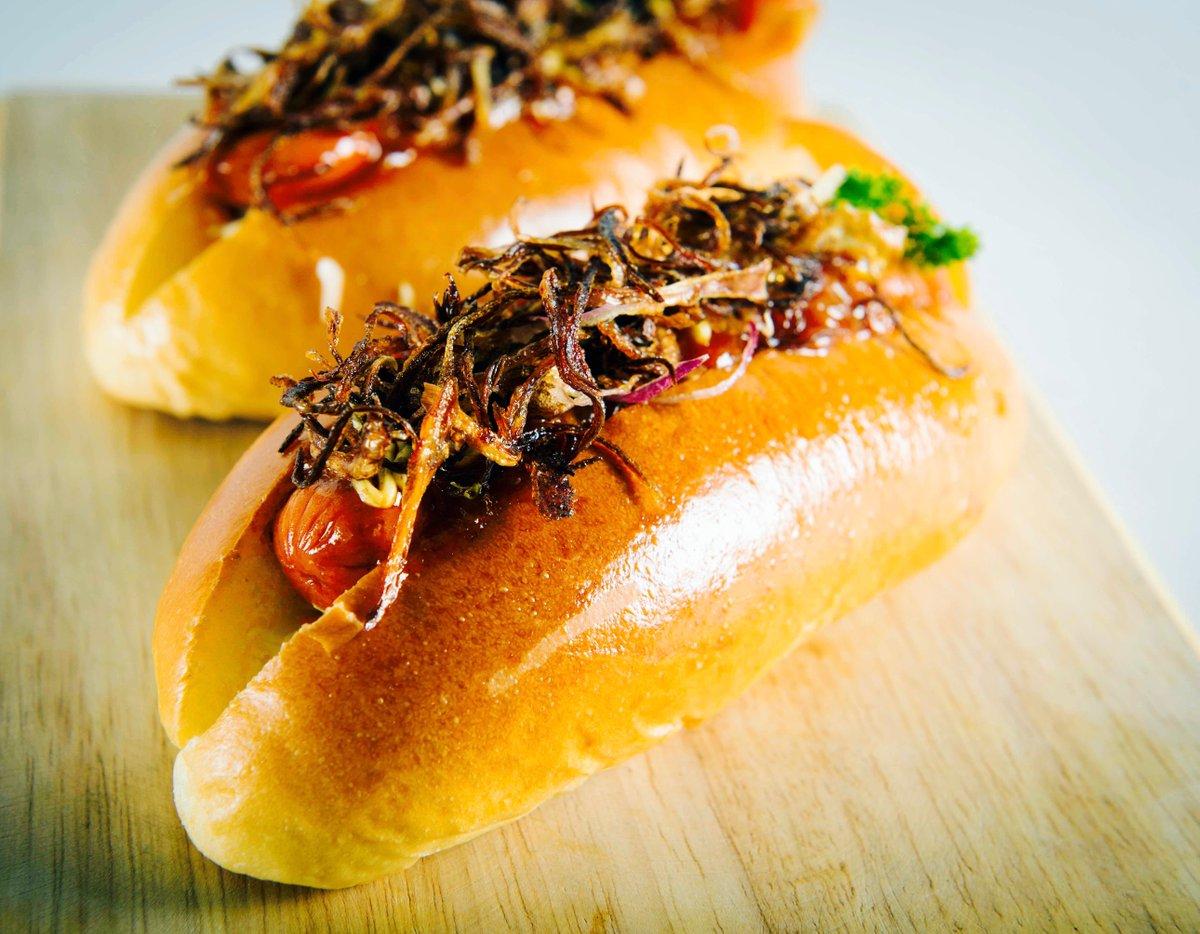 Hot Dog? Try the ginger mustard :-)  #Bakery #BreadTalkSL #Colombo #SriLanka #Lka https://t.co/pySrUTviP8