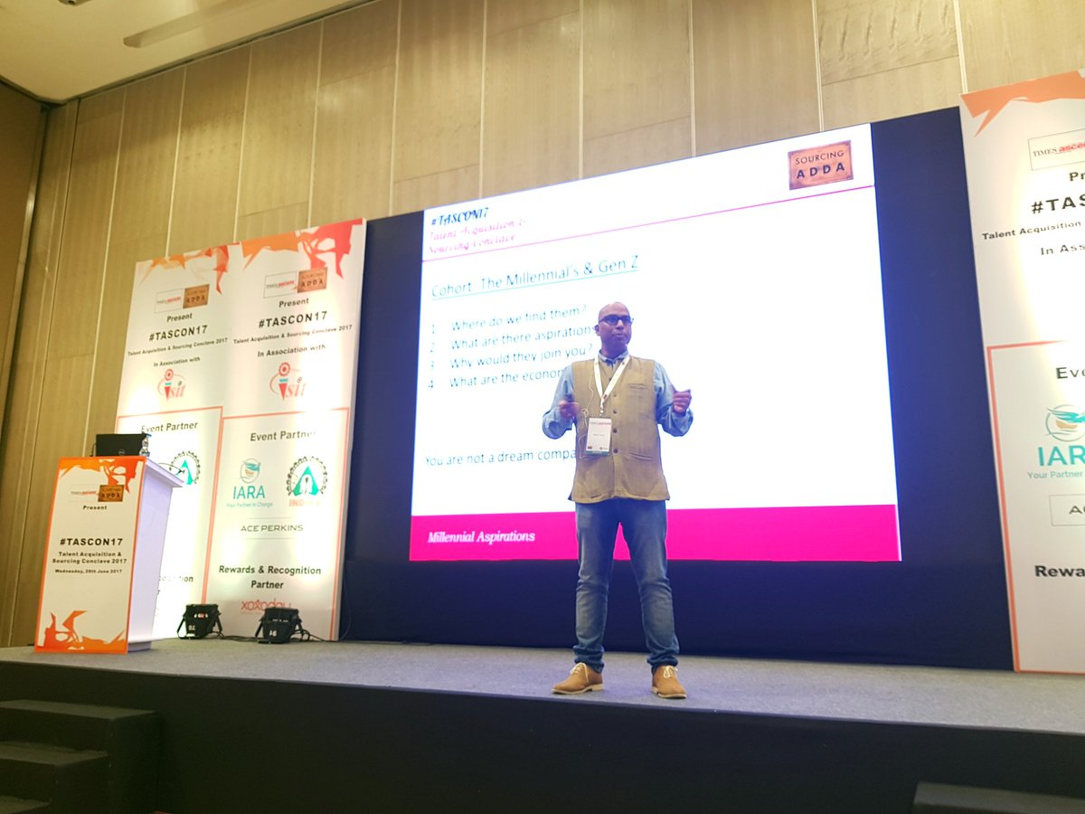 Hiring #Millennials ? Look at characters - Provide an environment to innovate. | 70 - 20 - 10 model | @Madhavspeaks #TASCON17<br>http://pic.twitter.com/Qs2p91NpkC