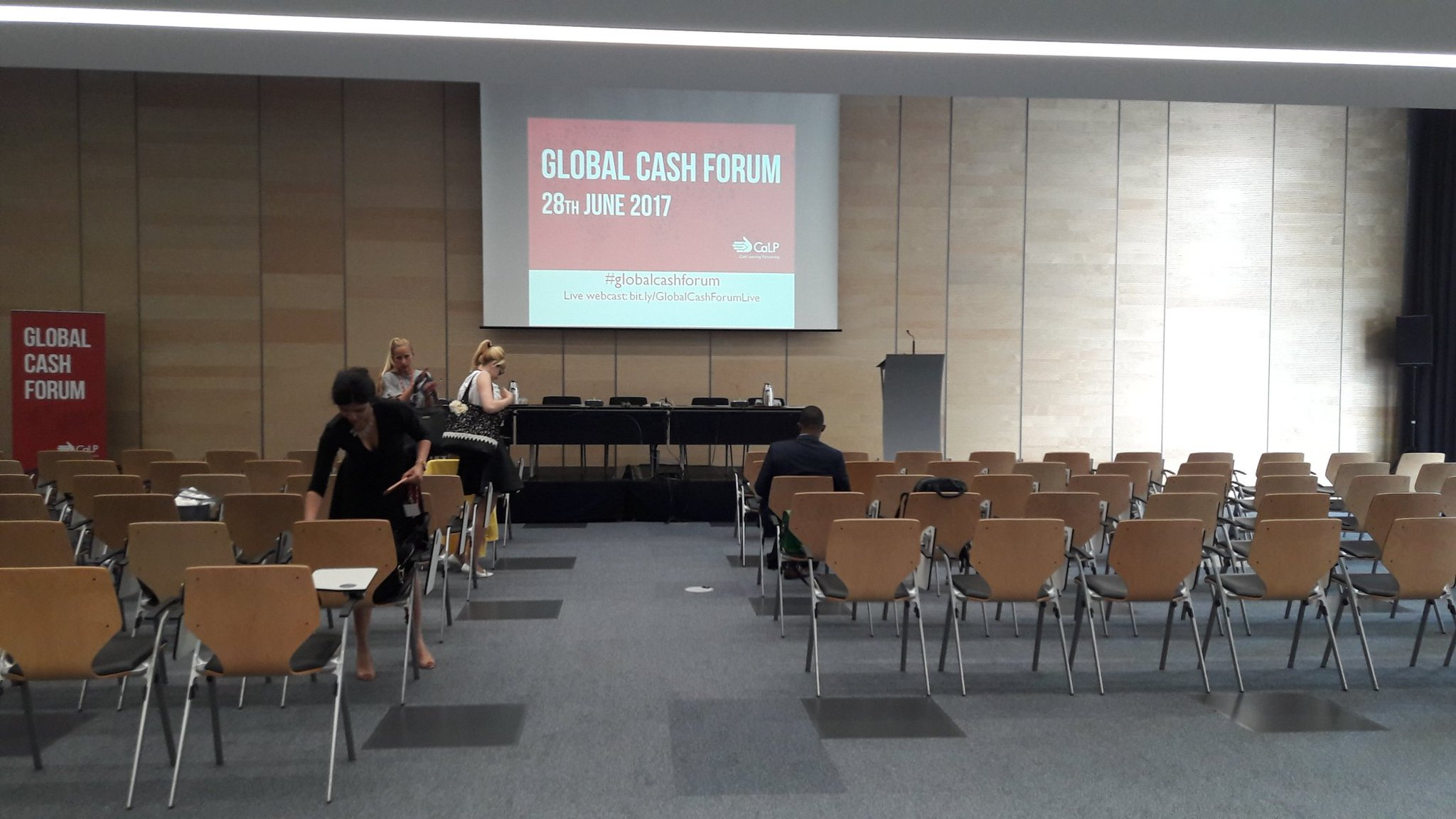 Here we are! Follow @cashlearning #GlobalCashForum on Twitter and livestream https://t.co/yJpPNEW4J8 to contribute to our discussions! https://t.co/gB8cTcLHiP