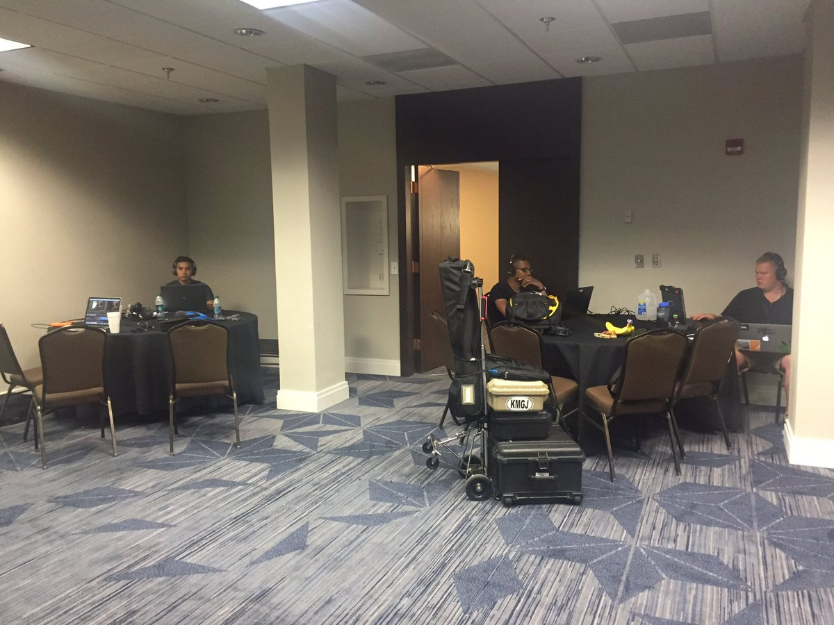 Pushing 11p in Norfolk VA, where the DOD Visual Storytelling Workshop Team Dirty Buffalos is still at it strong #WorldwideWorkshop #14hrday