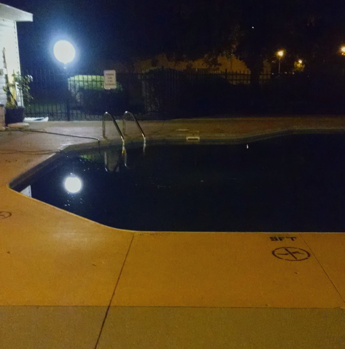 Doobie Bros sang about this. #blackwater #poolclosed<br>http://pic.twitter.com/dhLZ96dwJe