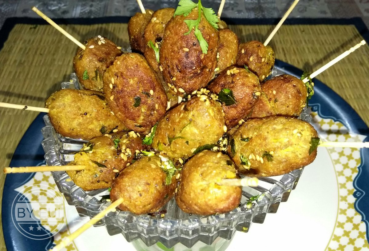 https:// youtu.be/d5UBIaxs2rc  &nbsp;    Doodhi Muthia/lauki Muthia #Gujarati ,#muthia ,#how to ,#dhudhi ,#Indian ,#snacks ,#bottal gourd ,#party snack ,<br>http://pic.twitter.com/yZEa6mPWAL