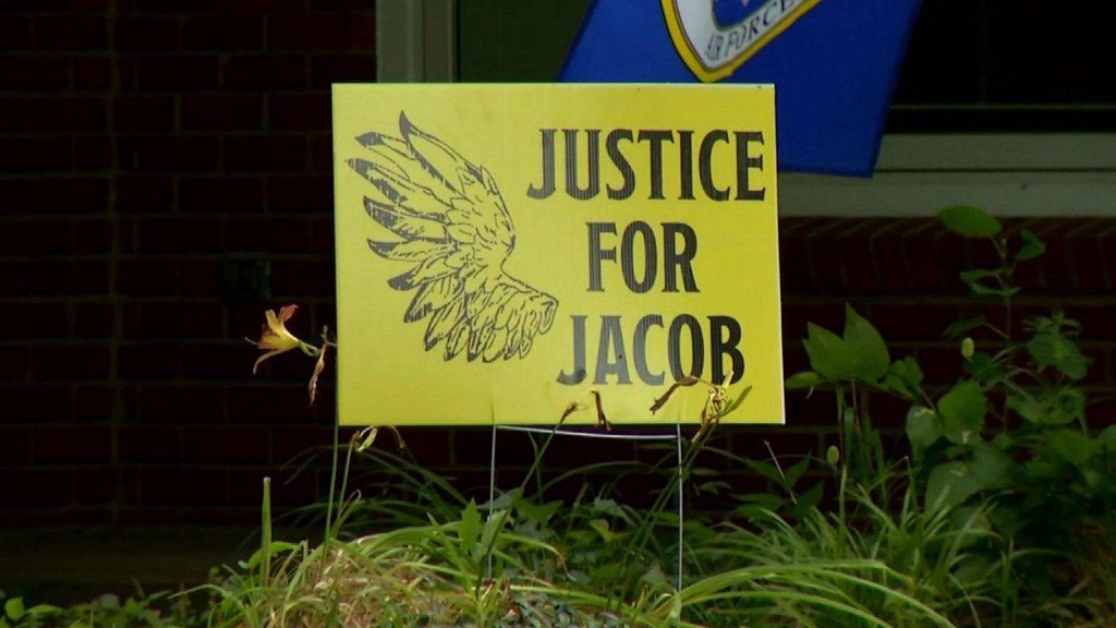 As second trial for Jacob Ewing begins, town remains divided over rape charges https://t.co/29MCzCwdN6