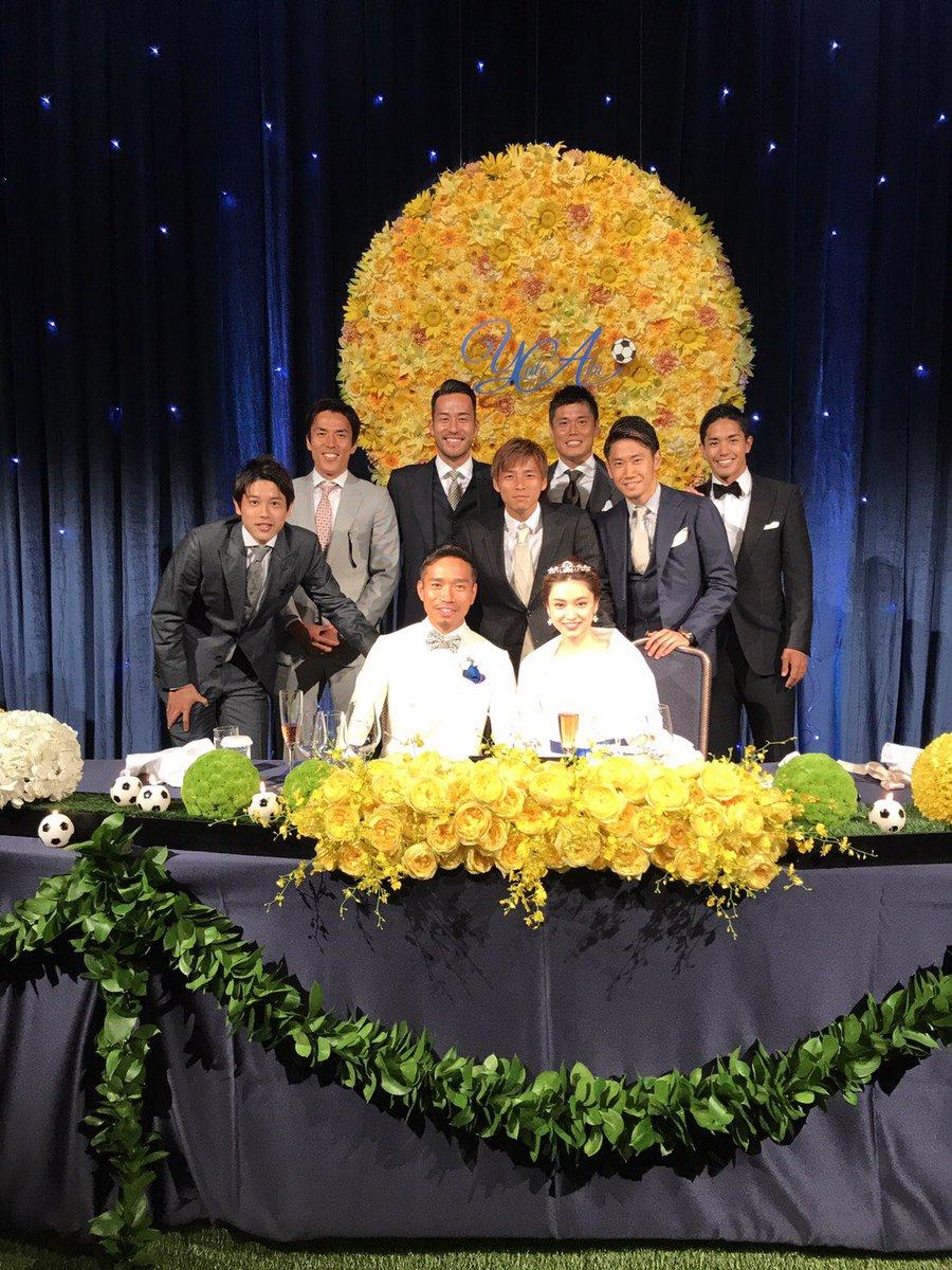佑都君と平愛梨さんの結婚式にいってきました(^^) 凄い人いっぱいきてたー ✨ 式もよかったー✨ けど、長かったー  でも、ほんまにおめでとうございました!!