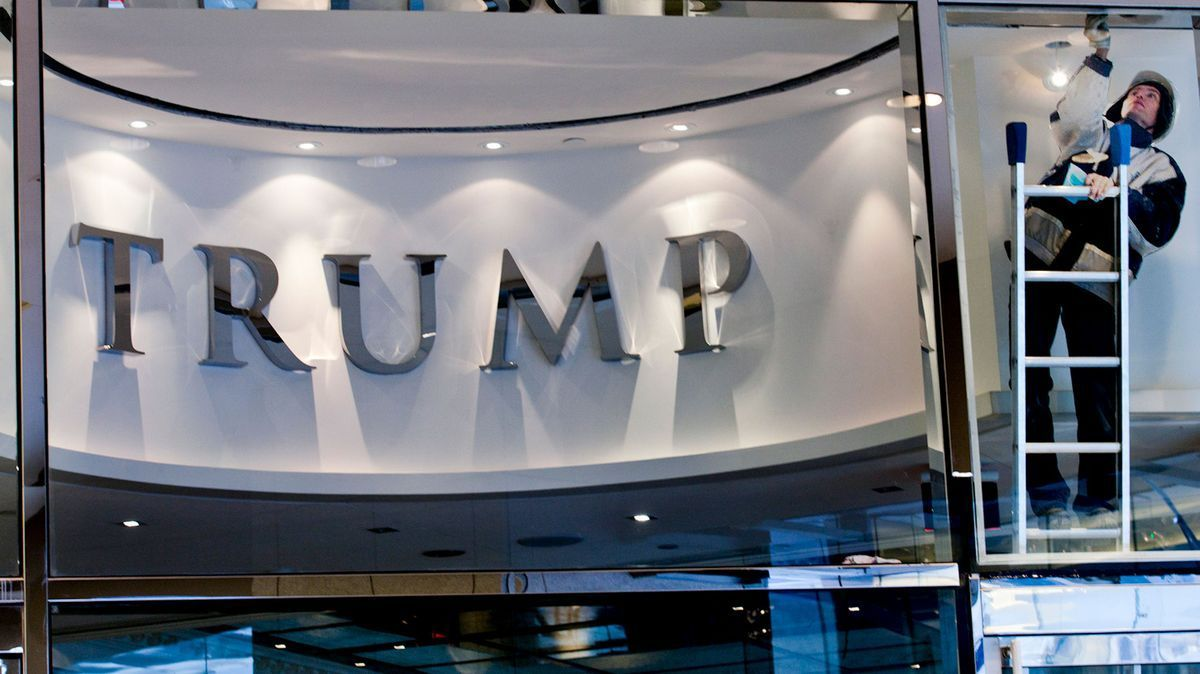 Company to pay millions to strip Trump name from skyscraper https://t.co/eHUp3QK3qy