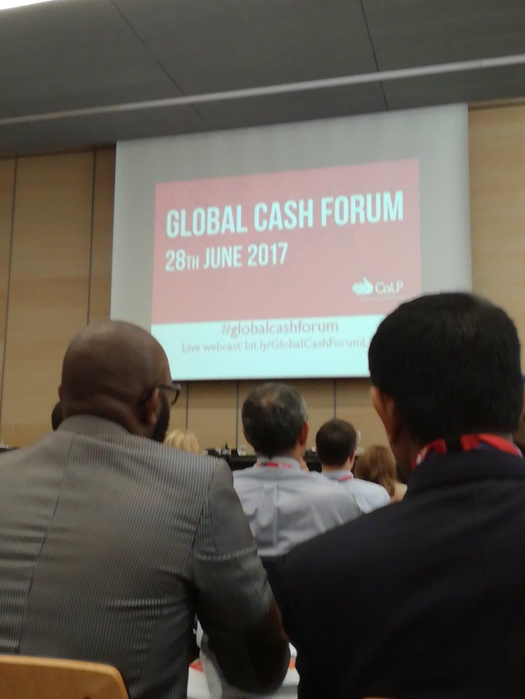 Så er vil igang med #globalcashforum  organiseret af @cashlearning , en hel dag hvor vi diskuterer cash i humanitære interventioner #dkaid https://t.co/GiDMdgYael
