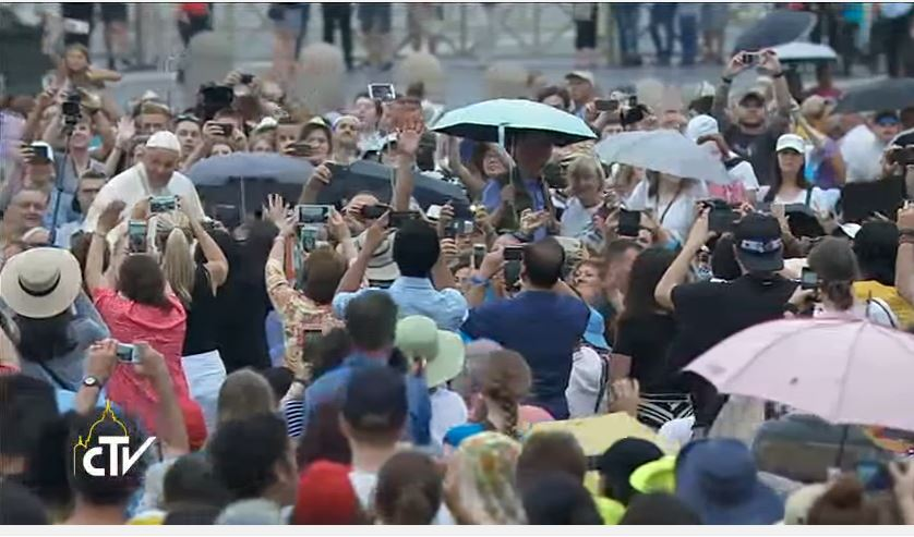 Today's weather? B4 heading to StPetersSquare for general audience, #PopeFrancis tells guests, 'Now I'm off to the piazza, the Turkish bath'