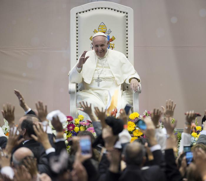 #Papa: le #pensioni d'oro sono un'offesa al lavoro https://t.co/GgCXf6JraA