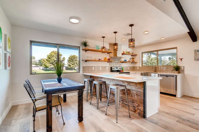 Mid Century Modern meets Modern Farmhouse design Check out this exciting new listing by Turner International Real Estate #midcenturymodern <br>http://pic.twitter.com/Sku7vvh3Qq