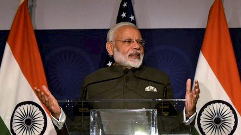 PM #NarendraModi talks of surgical strikes while situation in Kashmir worsens:#ShivSena  http:// read.ht/B199  &nbsp;  <br>http://pic.twitter.com/4iCZinwXC5