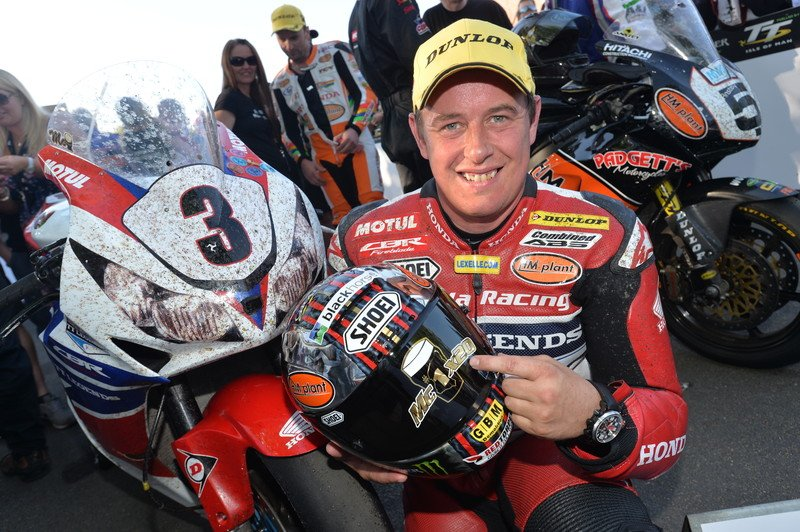 "HondaRacingCBR on Twitter: ""#WinningWednesday - 2013 - @jm130tt wins the @iom_tt Senior TT - taking his tally to 20 TT wins, 6 Senior wins & 41 podiums ..."