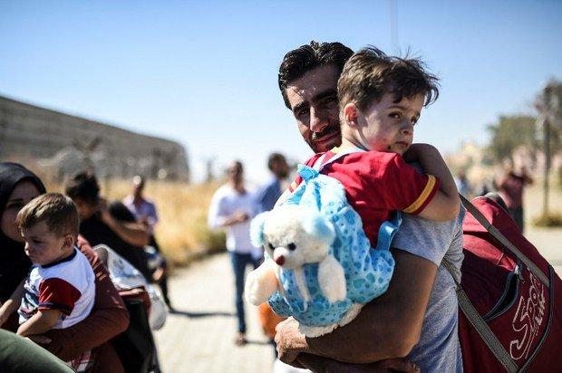 #Raqqa Residents in #Turkey Demand Safe Passage for City's Civilians https://t.co/R43hNaQZUS