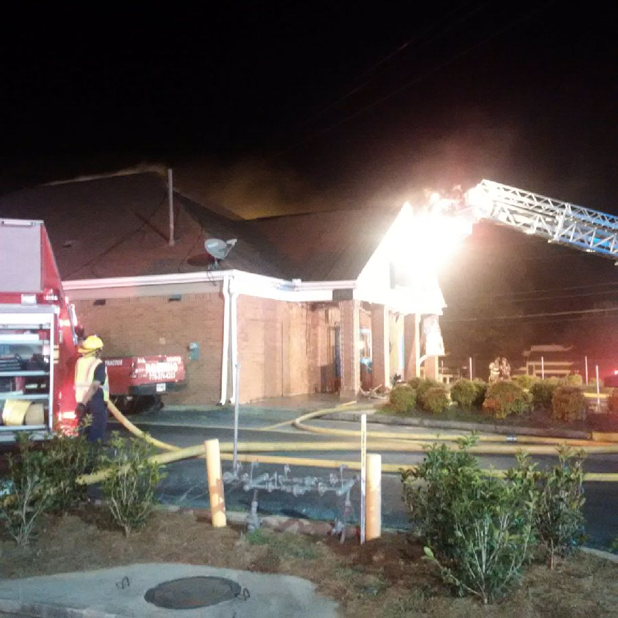 Fire erupts at Peruvian restaurant in Norcross #AtlantaAlive #11Alive   http:// on.11alive.com/2tjtCPi  &nbsp;  <br>http://pic.twitter.com/iBKP1E3jdU