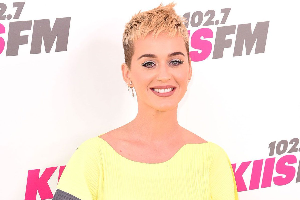 Katy Perry speaks out about *those* Orlando Bloom paddle board pics 🙀 https://t.co/EEVutezJIY