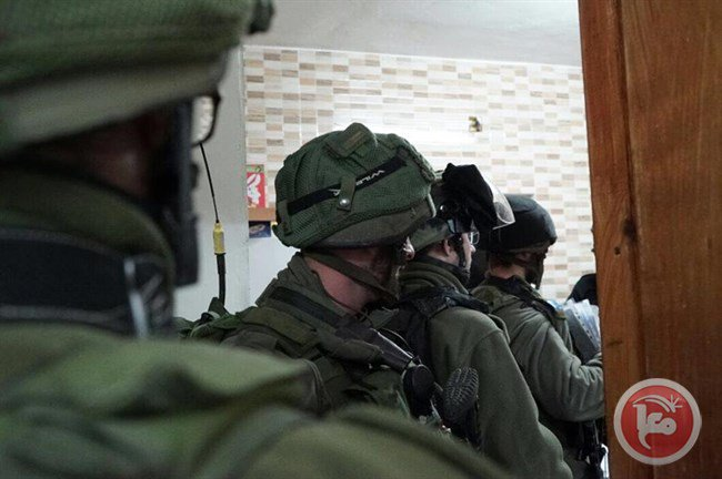 Israeli forces detain 14 Palestinians, including PLC member, in West Bank raids https://t.co/RQP4HJ3a8F