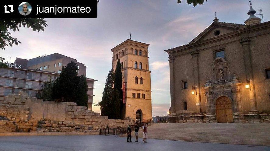 The Torreon de la Zuda next to the roman wall is both a tourist attraction and tourist office, come &amp; enter! #Zaragoza Pic: @juanjomateo<br>http://pic.twitter.com/pEQb6UkpKZ