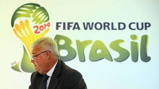 Acusado de corrupção por EUA, Espanha e Fifa, Teixeira diz: 'Tem lugar mais seguro que o Brasil?' https://t.co/dY6FSwfnGV