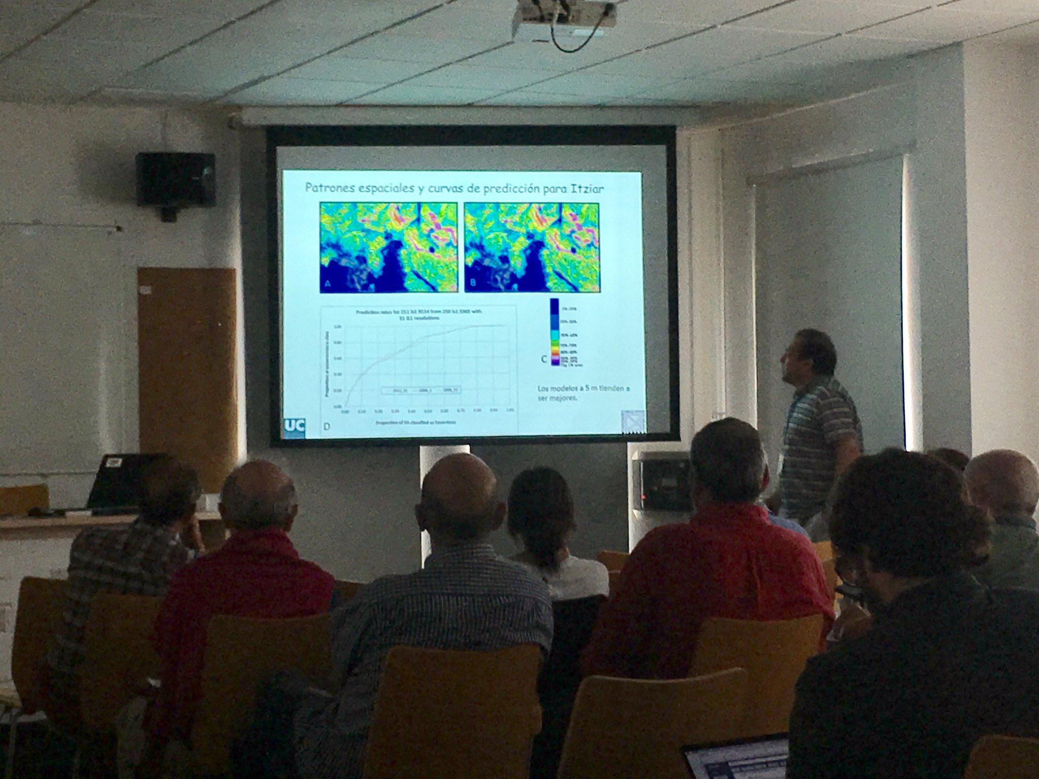 """""""No siempre un #dem de mayor resolución ofrece mejores resultados que uno con menor"""" en análisis de deslizamientos #Taludes17 Prof. Remondo. https://t.co/SRyxFiBlnB"""