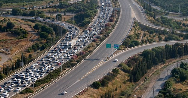 65 people killed, 489 wounded in traffic accidents across Turkey during three-day Eid al-Fitr https://t.co/6wIRAtv3L5