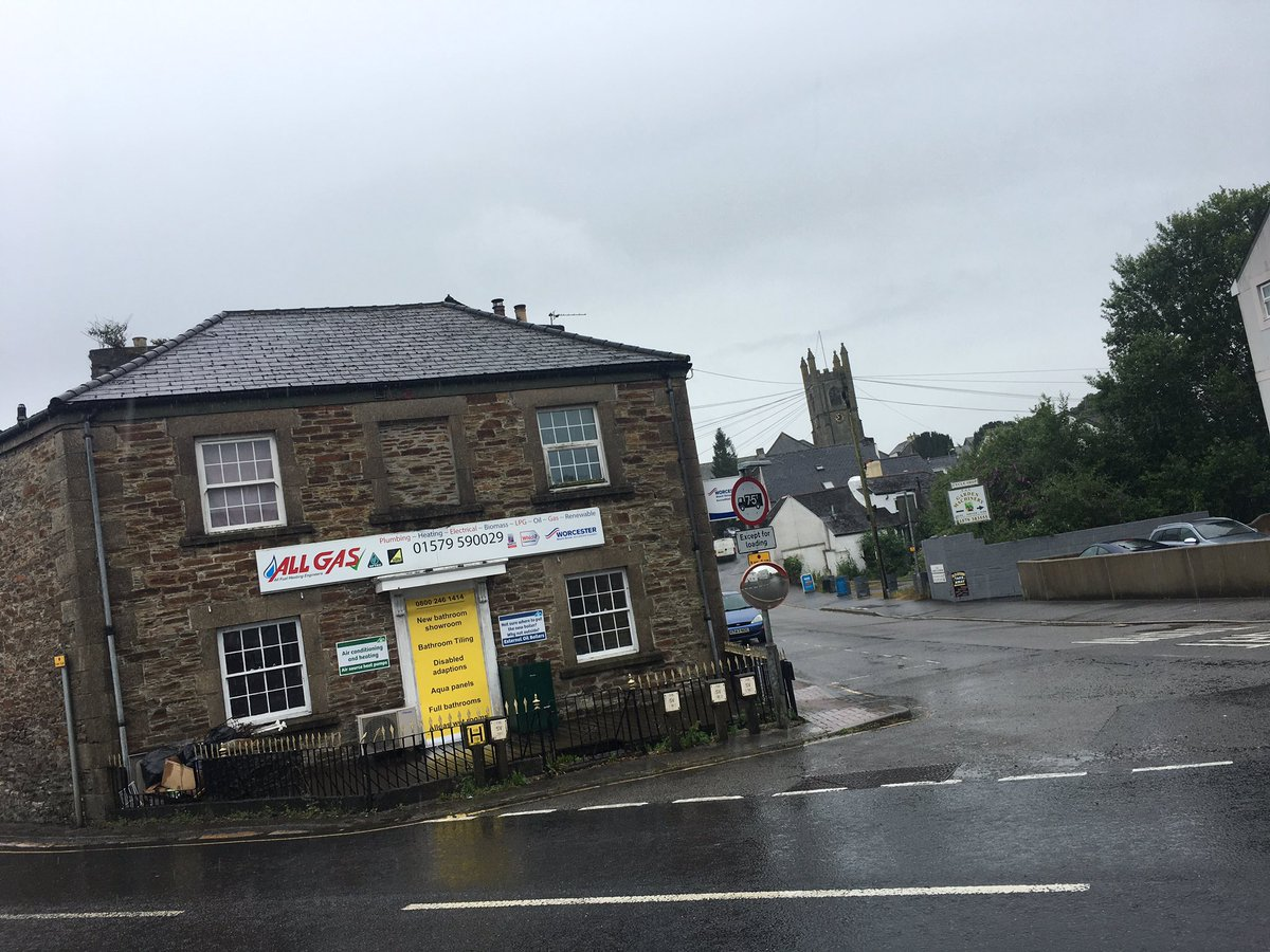 It's wet wet wet in Callington but we are still out chatting to busine...