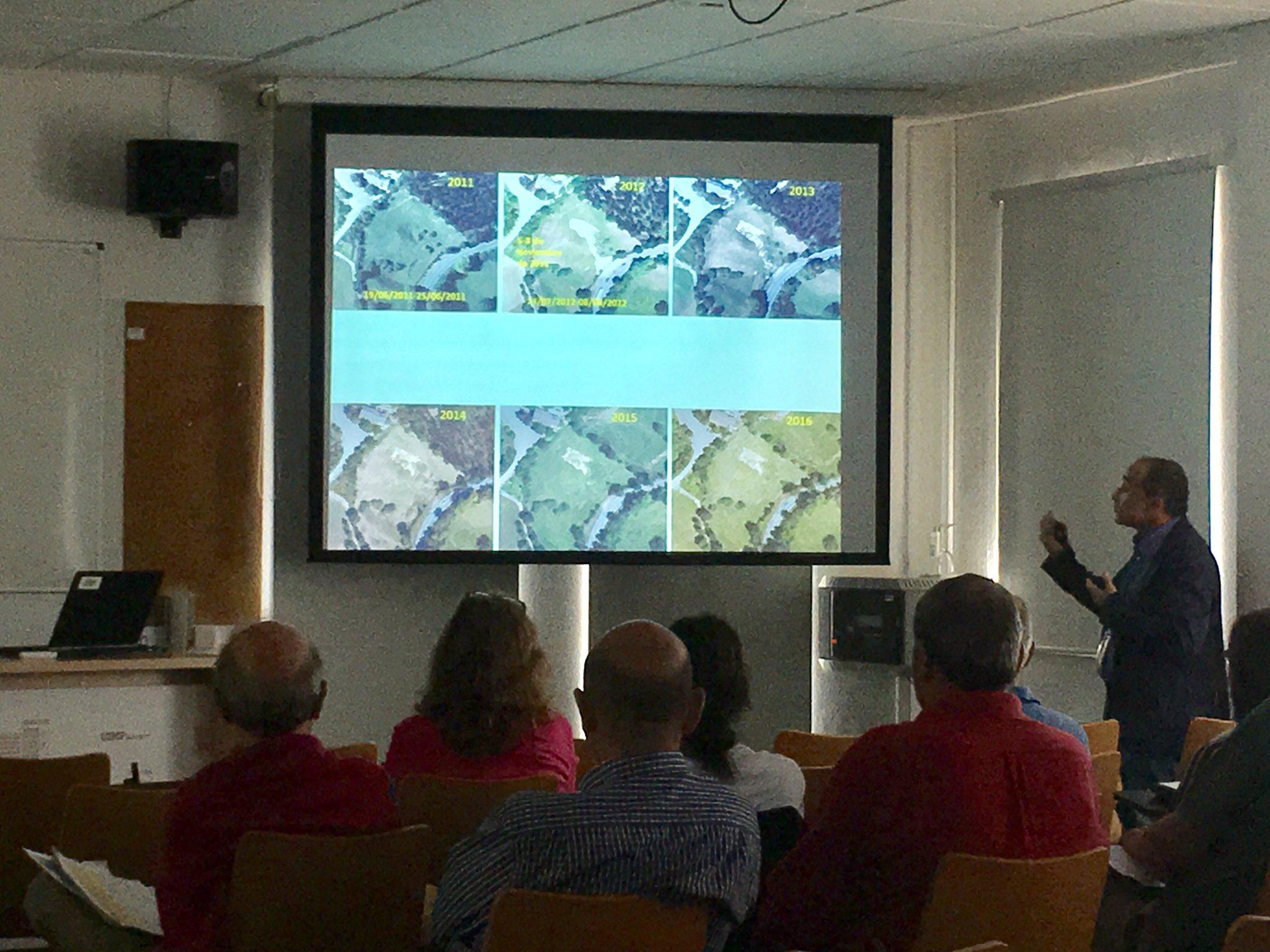 """""""1180 deslizamientos desde el año 54 en El Valle del #Deba. Ahora disminuyen. ¿Más estables las laderas?"""" Prof. Bonachea #taludes17 @unican https://t.co/l8tNNF8crJ"""