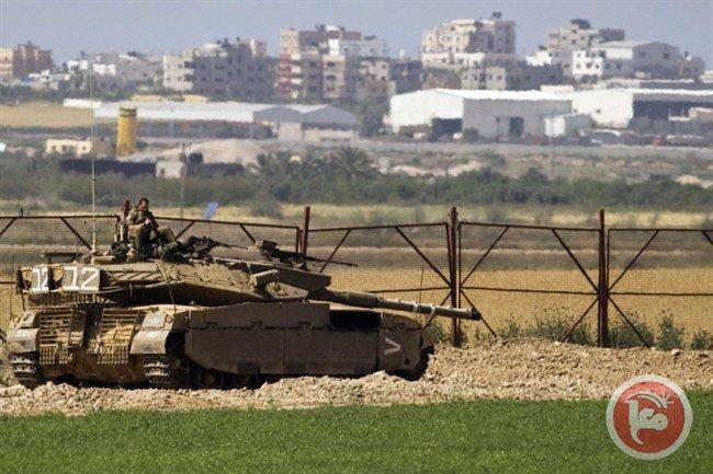 Israeli bulldozers raid central Gaza Strip, level lands https://t.co/dAAVZDP7tD