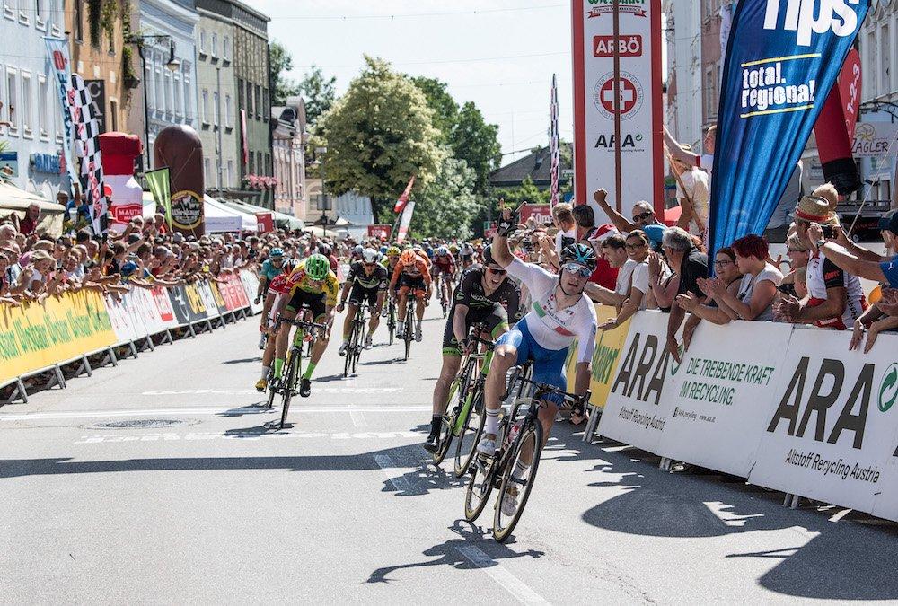 """Le Gruppetto on Twitter: """"Sprint massif aujourd'hui sur le Tour d'Autriche et nouvelle victoire de @eliaviviani ! @sepvanmarcke reste leader."""