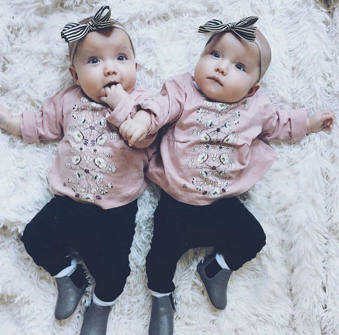 Картинки красивых детей близняшек