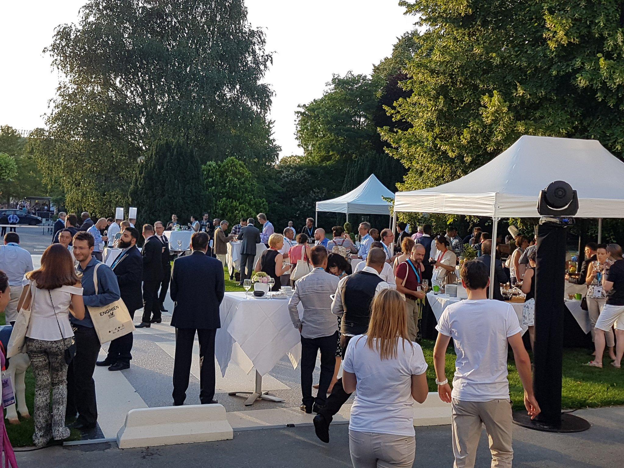 Cocktail & networking time at #EBNCONGRESS 🍸 #innovation #ecosystems @EUBIC https://t.co/V2RgdAkTEJ